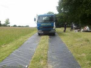 Protectamats Creating A Firm Stable Temporary Access Way For Truck